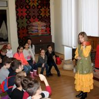 28 марта 2019 г. в Национальном музее Республики Башкортостан прошли занятия с игровыми элементами «Бабушкин сундучок» с учащимися школы №129 г. Уфы.