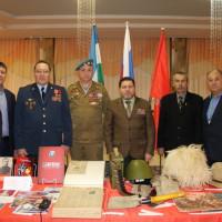Дом-музей Шагита Худайбердина представил в ДК «Моторостроитель» выездную выставку ко Дню Героев Отечества