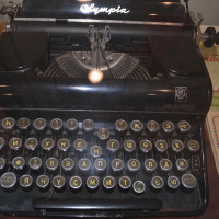 Дюртюлинский историко-краеведческий музей представляет печатную машинку писателя Зии Мансура