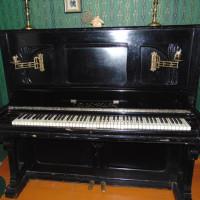 Музей семьи Аксаковых представляет старинное пианино, по легенде принадлежавшее семье первого уфимского губернатора Г. С. Аксакова