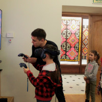 25 октября 2019 г. отдел этнографии провел занятие с игровыми элементами «Бабушкин сундучок» с учащимися среднеобразовательной школы с. Чесноковка.