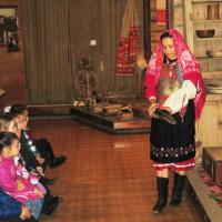 В Туймазинском историко-краеведческом музее школьники познакомились с «тайнами бабушкиного сундука»