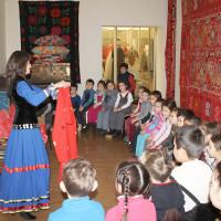 Занятие «Бабушкин сундучок» с воспитанниками дошкольного образовательного учреждения №40 г. Уфы.
