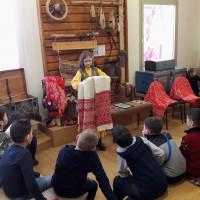 Юные посетители Национального музея РБ познакомились с материальной культурой башкирского народа на занятии «Бабушкин сундучок»